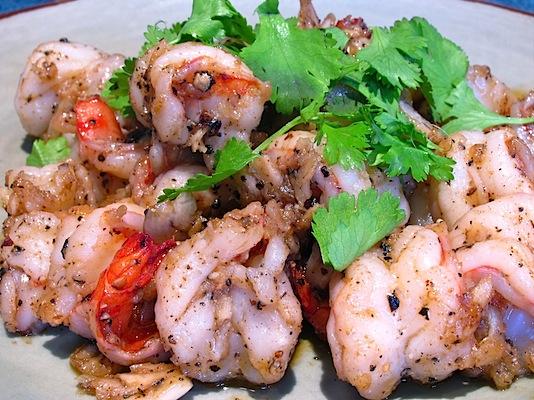 Prawns with Garlic and Pepper – กุ้งกระเทียมพริกไทย